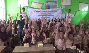 Pelajar SD Sekitar Geopark Ciletuh Palabuhanratu Kampanye Antisampah Plastik