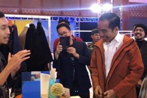 Produknya Dipakai Jokowi, Never Too Lavish Kini Banjir Orderan