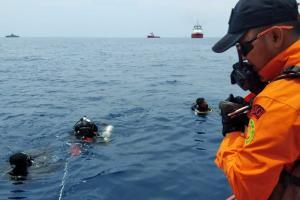 Pencarian Black Box,  Tim Penyelam Dihadang Arus Kuat