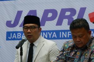 Ridwan Kamil Umumkan UMP Jabar 2019 RP1.668.372