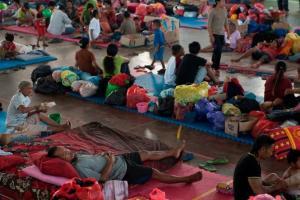 Tetap Mengungsi, Warga Pangandaran Khawatir Banjir Susulan
