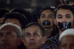 Aksi Tutup Mulut saat Orasi Ilmiah Wapres Sempat Ricuh