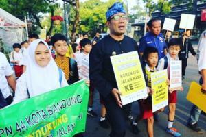 Ridwan Kamil Luncurkan Program ke Sekolah Jalan Kaki