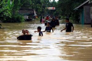 Pemkab Cirebon Perbaiki 7 Titik Sungai Penyebab Banjir