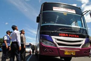 Petugas Gabungan Gelar Uji Kalaikan Kendaraan Umum Jelang Nataru