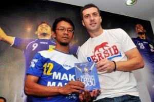 Sah, Miljan Radovic Latih Persib Bandung