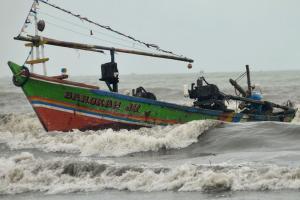 BMKG Perkirakan Gelombag Tinggi Terjadi di Perairan Indonesia Hari Ini
