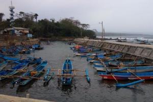Ini Penyebab Ratusan Nelayan Cianjur Berhenti Melaut