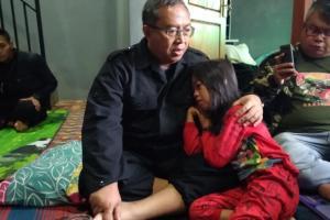 Duka Longsor Sukabumi, Cindy Terus Menangis Memanggil Ibunya yang Tewas
