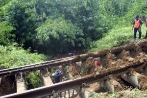 PT KAI Klaim Antisipasi Ancaman Longsor pada Musim Hujan