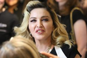 Dikepoin soal Implan Bokong, Madonna: Tubuh-Tubuh Saya