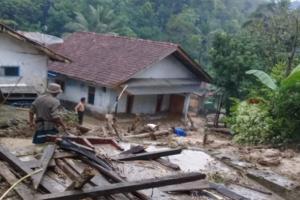 Bahaya, 28 Rumah di Kuningan Terancam Tanah Longsor