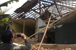 1 Rumah di Tasikmalaya Roboh Diterjang Angin Kencang