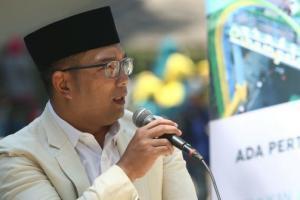 Ridwan Kamil Bilang Begini soal Pose 1 Jari, Ribuan Netizen Komentar