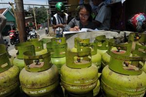 Dijual Rp16.000, LPG 3 Kg Diserbu Warga Garut