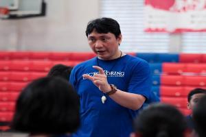 Masalah Kesehatan, Fictor Roring Pensiun Jadi Pelatih Basket
