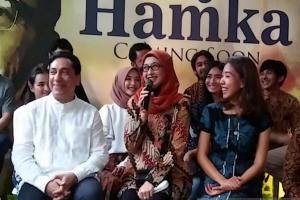 Desy Ratnasari dan Laudya C. Bella Belajar Bahasa Minang