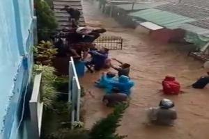 Cijambe Banjir, Tim SAR Segera Evakuasi Siswa SD di Cijambe