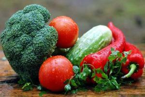 Tips Agar Anak Suka Makan Sayur