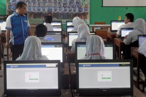Lebih dari 200 SMP di Cianjur belum memiliki fasilitas UNBK