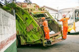 Ribuan Petugas Kebersihan Kota Bandung Bersiaga saat Lebaran