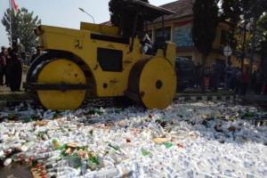 Operasi Pekat, Ribuan Miras Dimusnahkan