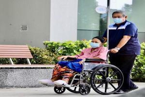 SBY Setia Jaga Ani Yudhoyono di ICU