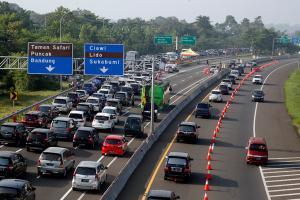 Antisipasi Kemacetan, Jalur Puncak Jadi Satu Arah