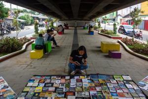 Taman di Perbatasan Karawang-Bekasi Ditolak PKL