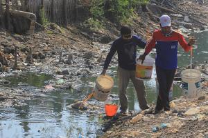 BPBD Bekasi Salurkan 15 Ribu Liter Air Bersih untuk Warga