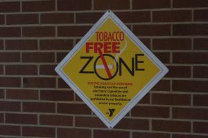 Bupati Anne Beri Sanksi ASN yang Merokok Saat Kerja