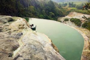 Sensasi Wisata ke Pemandian Air Hangat Gunung Panjang