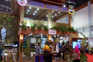 'Bandung Barat Lumpaaat' di Apkasi Otonomi Expo 2019