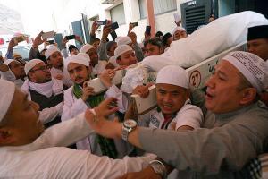 Bupati Ade Instruksikan Kader PPP Salat Gaib untuk Mbah Moen