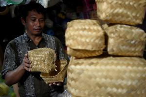 Distribusi Daging Kurban di Bogor Gunakan Wadah Nonplastik