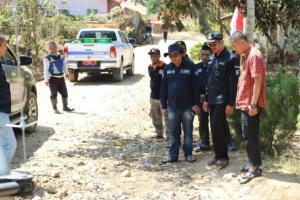 Wabup Garut Kecewa Atas Pembangunan Jalan Beton di Desa Girimukti