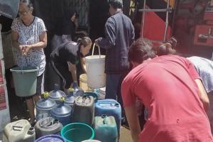Krisis Air, Anak-anak di Kampung Hujung Terpaksa Tak Mandi