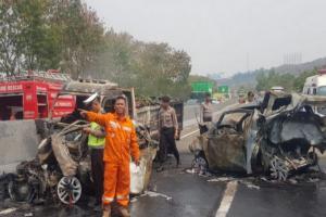Kecelakaan Tol Cipularang, Korban Tewas Jadi 9 Orang