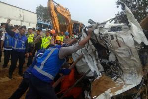 Kecelakaan Tol Cipularang, 8 Orang Tewas, 4 Belum Teridentifikasi