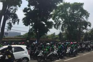 Tak Terima Tudingan Samsubahrin, Ojol Bandung Gelar Demo