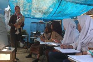 SMP yang Siswanya Belajar di Bawah Terpal Ditawari Bantuan