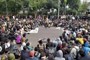 Kembali Gelar Demo, Mahasiswa di Bandung Tuntut 8 Hal