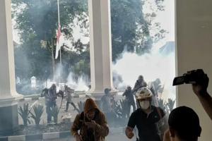 Aksi Massa di Depan Gedung DPRD Jabar Kembali Rusuh
