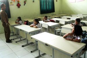 Guru Honorer di Bekasi Akan Dapatkan SK dari Bupati