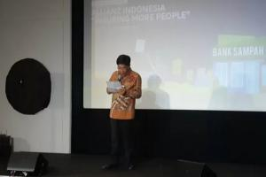 Allianz Indonesia Rilis Program 'Tukar Sampahmu, Lindungi Dirimu'