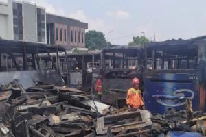 Tempat Parkir Bus Damri Bandung Kebakaran