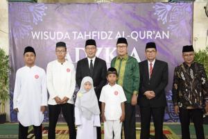 Ridwan Kamil Hadiri Wisuda Hafiz Cilik di Sukabumi