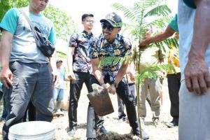 Pemkab Kuningan Canangkan Tanam 2700 Pohon
