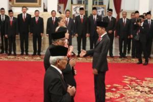 Presiden Jokowi Anugerahkan Gelar Pahlawan untuk 6 Orang