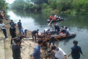 Pemkot Cirebon Imbau Warganya Bersihkan Sungai